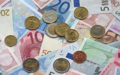 La pandemia impulsa la inversión de los españoles en Bolsa a máximos