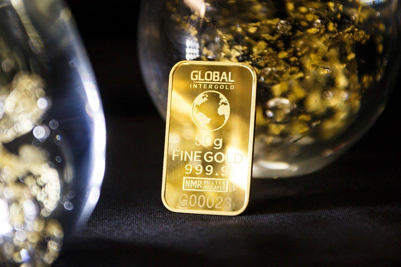 invierte 50 millones de dólares en oro